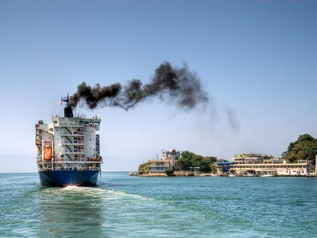 Dirty exhaust pollution sulphurous emissions cause acid oceans